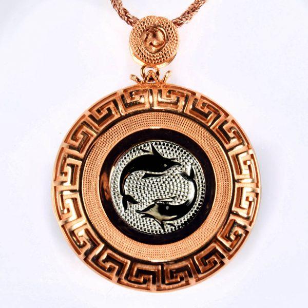 collana rossa delfini bianchi